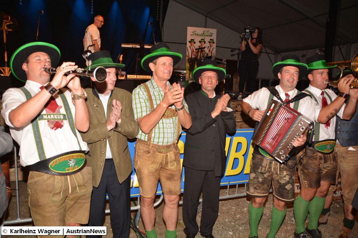 Schneiderwirt-+-Ehrenhutträger@Karlheinz-Wagner-Austrian-News